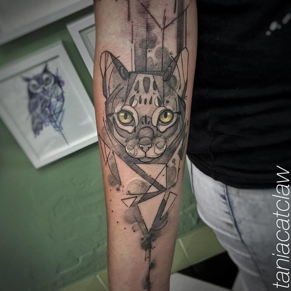 Beautiful leopard tattoo by Tania Catclaw