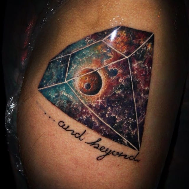 Awesome nebula diamond by Benja Labbé.