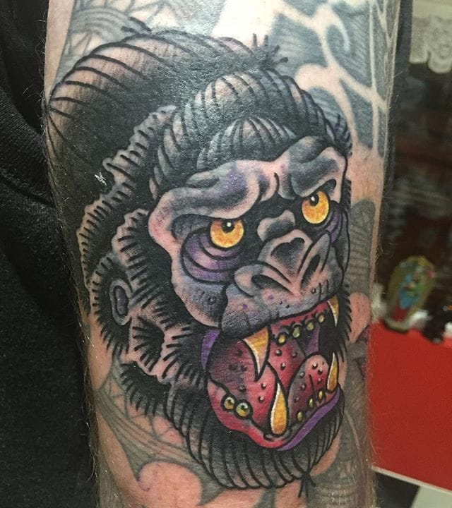 Blast Over Gorilla by tck tattooer