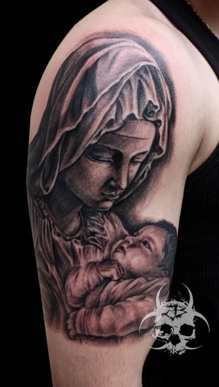Jeremiah Barba e uma representação bacana de um anjo segurando o bebê