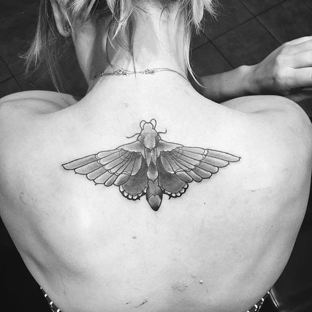 Kaley Cuoco's Couple Tattoo Gets A Butterfly Kiss Goodbye