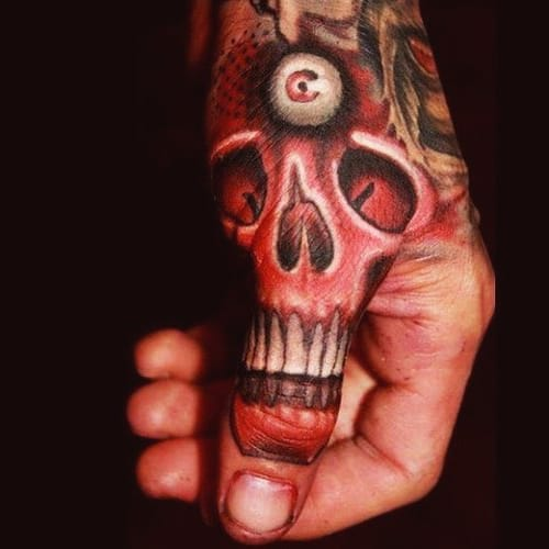 I just love the positioning and workmanship of this Third Eye Skull by Giandhi, tattoopinners.comgiandhi