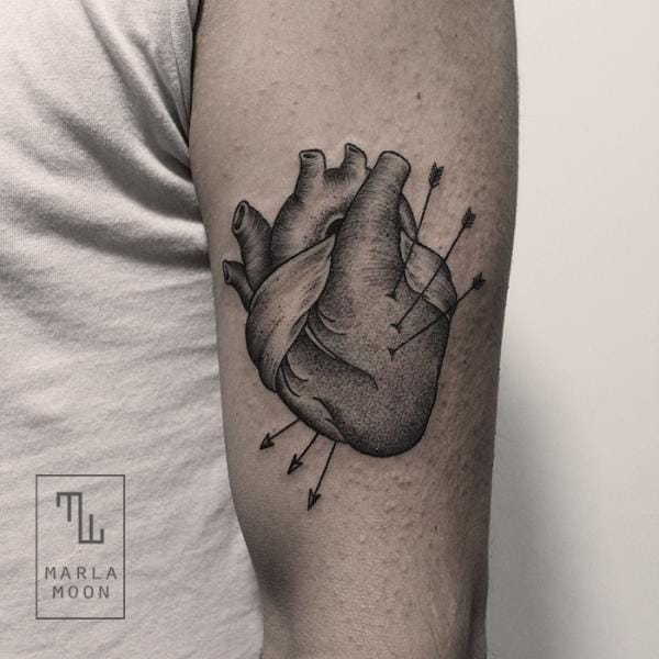 11 Detailed Linework And Dotwork Anatomical Heart Tattoos