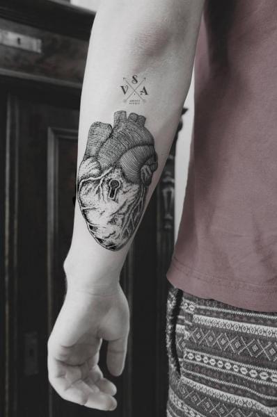Dotwork Heart Lock Tattoo by Master Tattoo