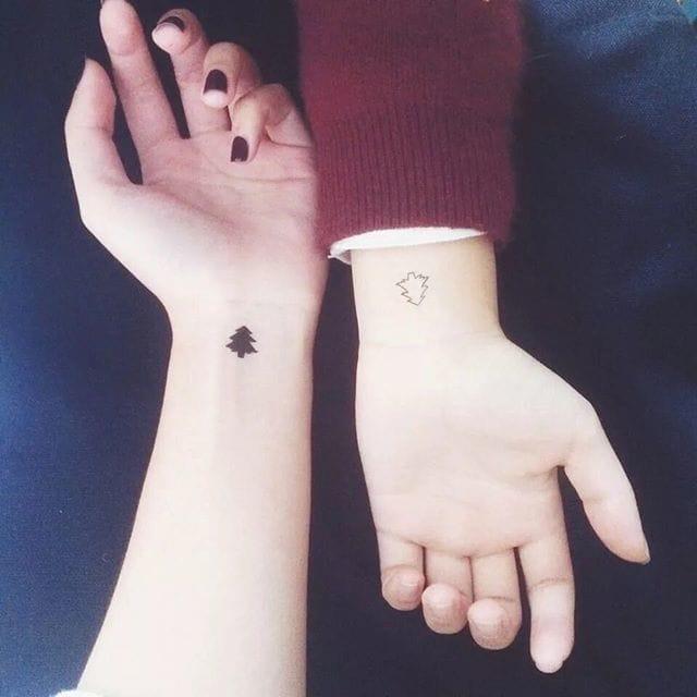 Matching tattoos/ Source: Instagram @catchercorner_