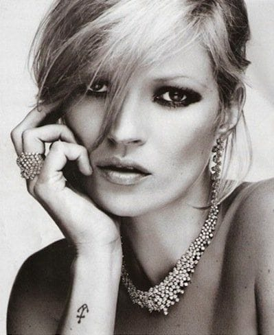 8. Kate Moss got a simple anchor tattoo on the wrist