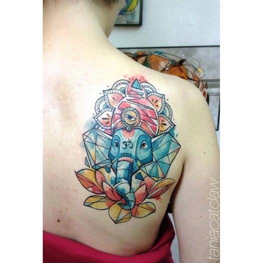 Ganesh is of course one of the most popular Hindu design. This elephant god helps to overcome obstacles and he is also a symbol of wisdom and intelligence. That's a very nice graphic version by Tania Catclaw.