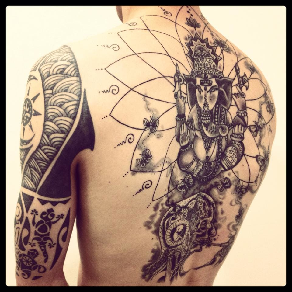 Very good looking backpiece by Monica Moro.