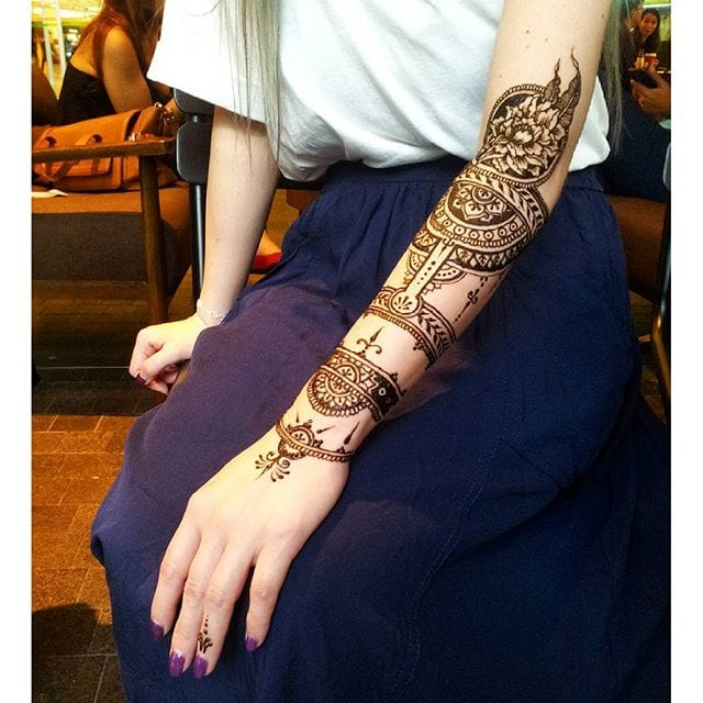 Stunning traditional style henna tattoo designs. Photo from Instagram thesteadyhands #henna #ornaments #traditional