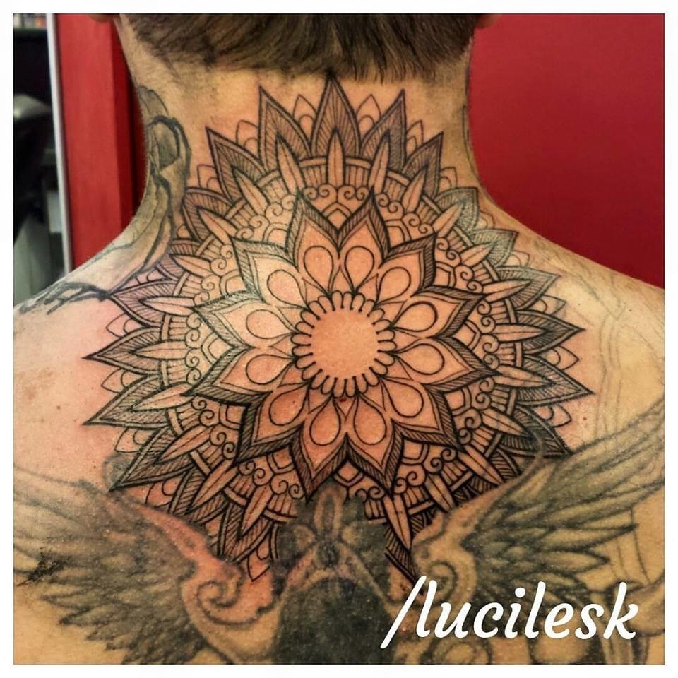 Lucile Kosby Em 15 Tatuagens Blackwork E Mandalas