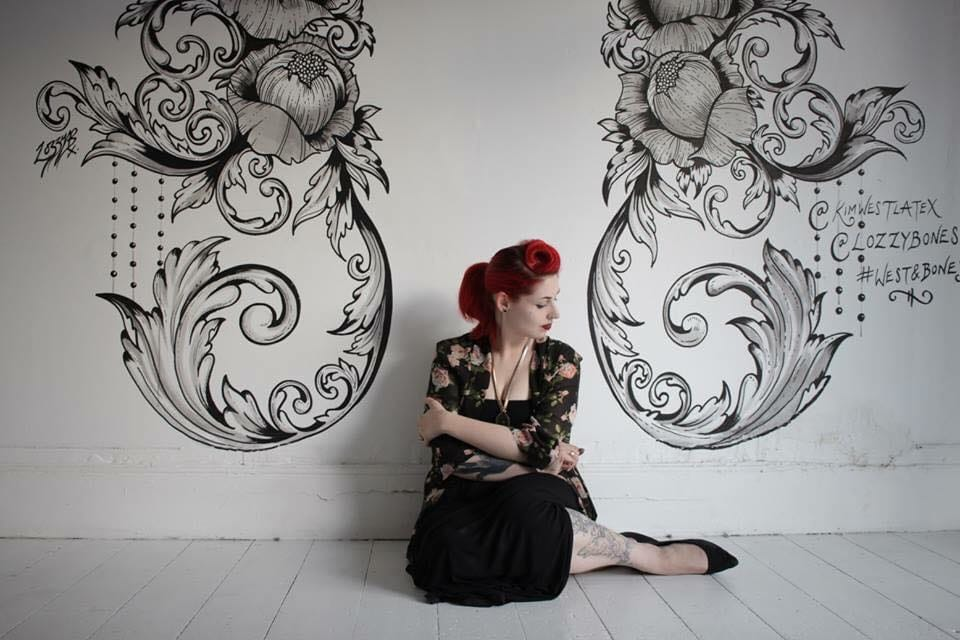 Lauren Hellier, the woman behind Lozzy Bones Art.