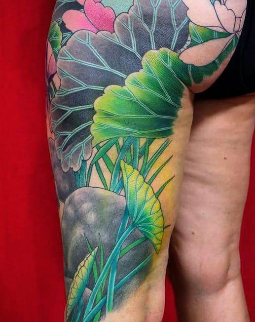 In progress lotus leaves by Sid Siamese (Instagram @sid_siamese).