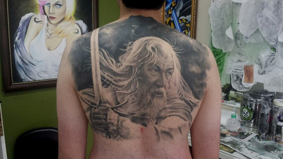 Início de fechamento. Essa tatuagem é um cover up