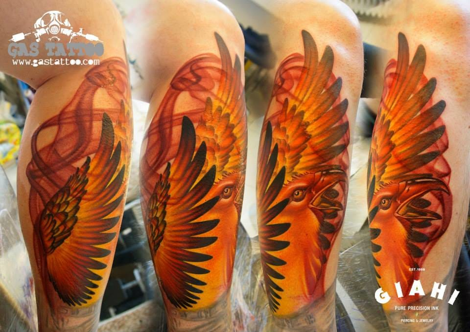 Love the light effect here, by Fede Gas! #phoenix