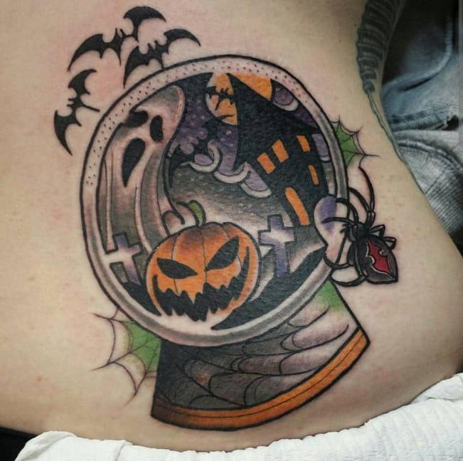 The perfect Halloween scene by Instagram @richieblackheart_tattooer