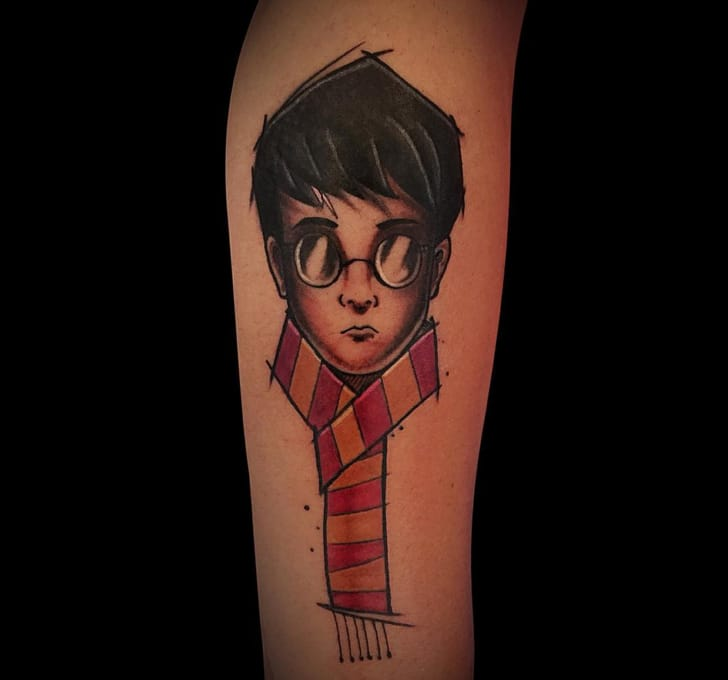 Harry Potter, the famous boy wizard by Instagram @elilusionista.cl.