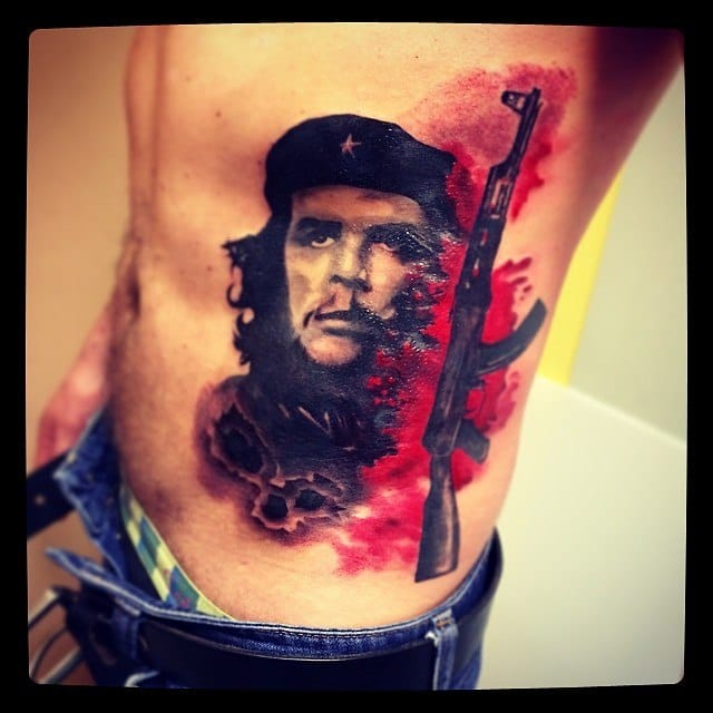 The classic Che Guevara pose with a splash of bloody color