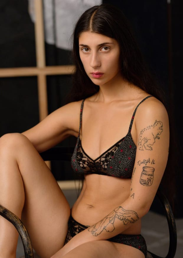 "Lingerie Campaign Features Women With ""Flaws"" And Tattoos"