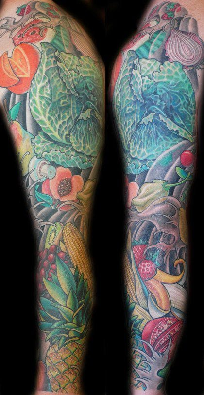 Brilliant fruits & veggies sleeve! The waves & windbars were cleverly used as background to piece all the elements together. Artist unknown.
