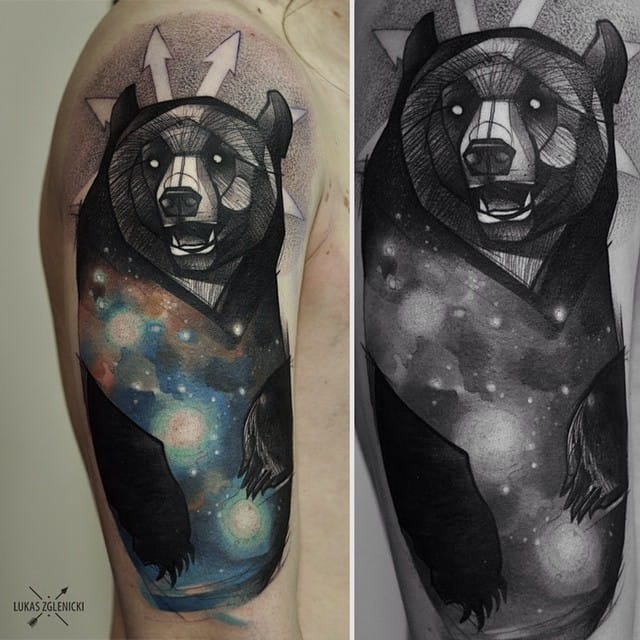 Looks simple to the eyes, but this style requires the same time, effort, discipline & skill to execute. Amazing galactic sketch style bear by Lukas Zgelnicki.