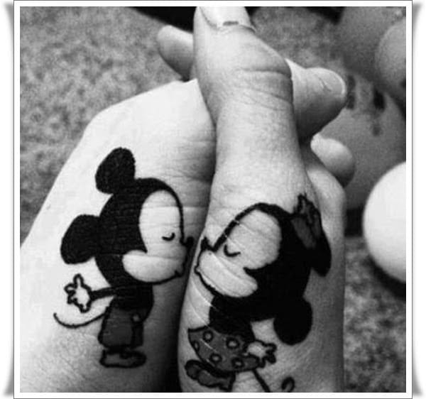 People will be amazed whenever you hold hands & they see this! Teehee!