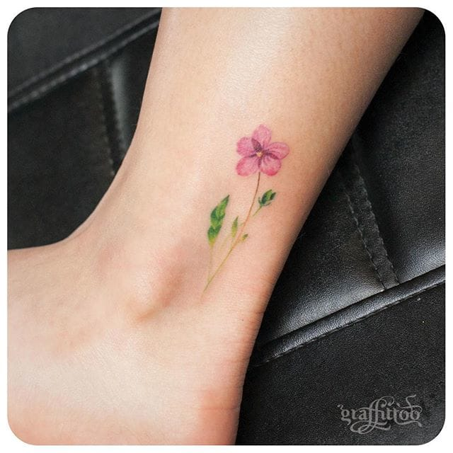 Lovely flower on the ankle. #delicate #graffittoo #floral #flower #fineline #simple