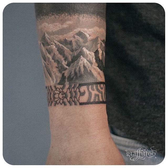 Great wristband. #delicate #graffittoo #wrist #mountains #blackwork