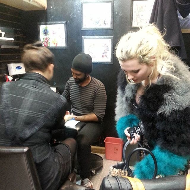 Abigail Breslin at the Whatever Tattoo NYC/ Photo: Instagram @whatevertattoonyc