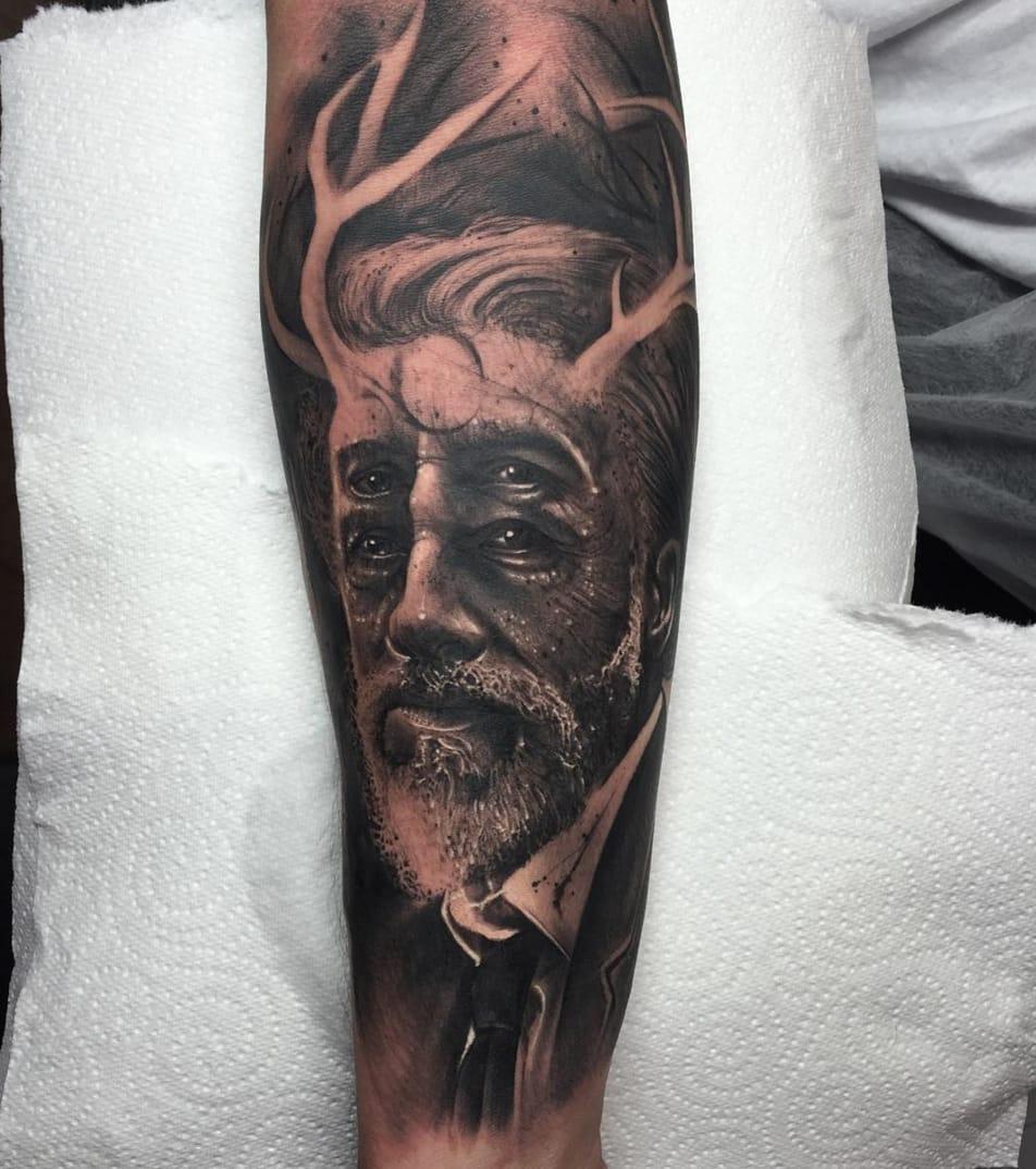Dr. King Schultz portrait tattoo by Anrijs Straume. Source: Instagram / anrijsstraume