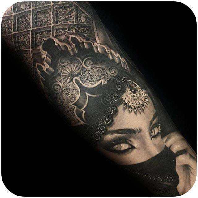 Black and grey portrait #CrisMataafa