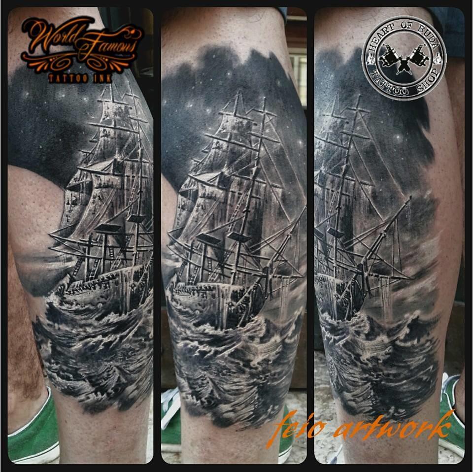 Um navio desbravando a tempestade! #barco