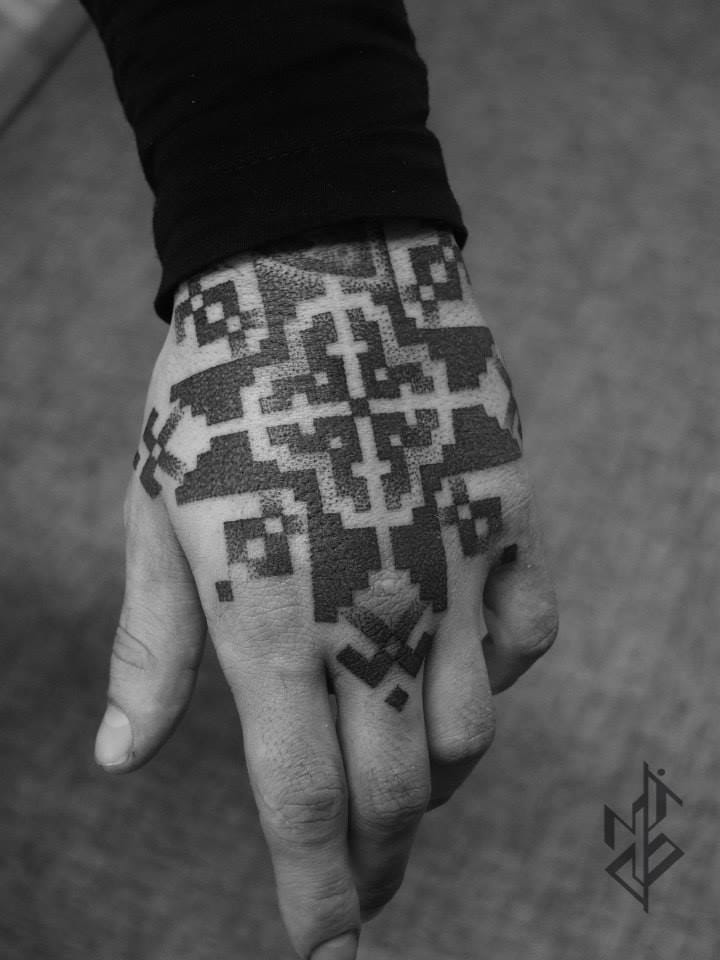 Cool hand piece by Mico Goldobin.