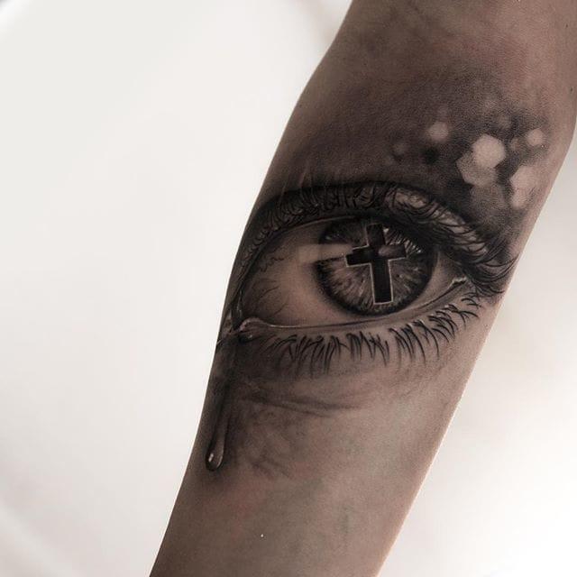 Beautiful, Realistic Eye Tattoo