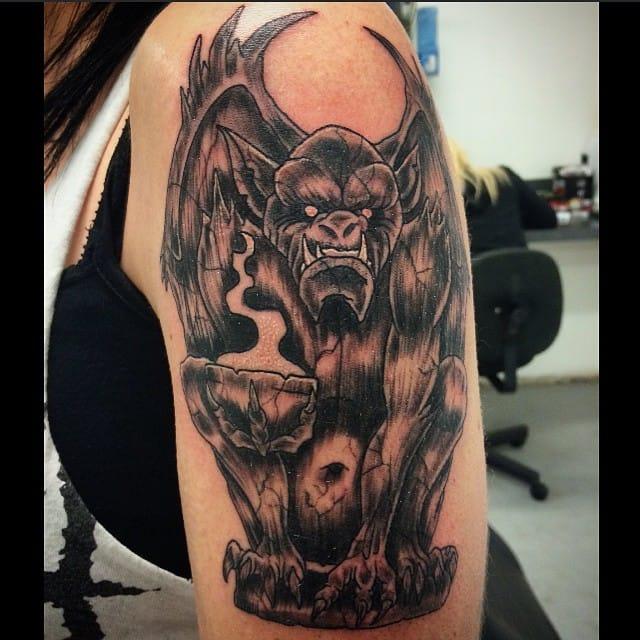 10 dramatic gargoyle tattoos tattoodo