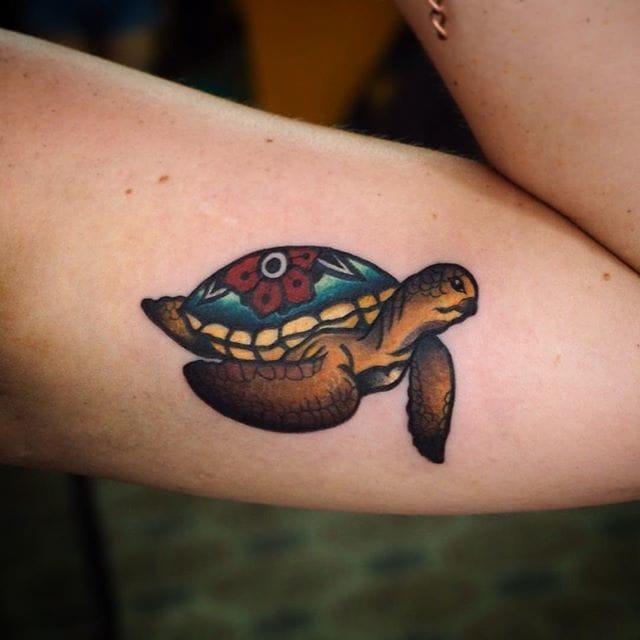 Small tattoo by Miss Ink. #Turtle #TurtleTattoo