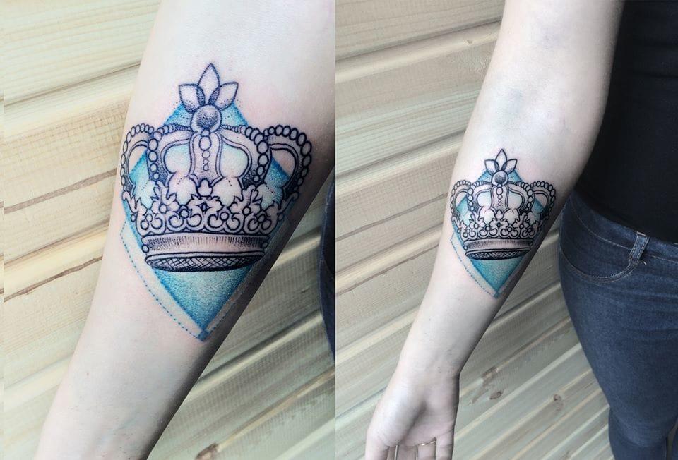 Elegant crown.
