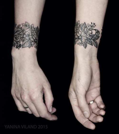 Wrist tattoos for women by Yanina Viland #flower #wrist #delicate