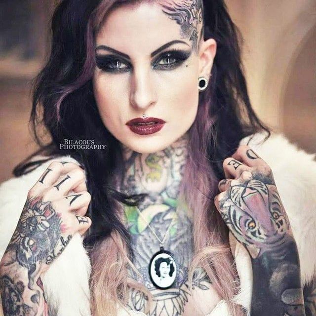 Luxury shot of Lusy Logan by Bilacous. #tattoomodel #tattoodobabe #lusylogan #bilacous