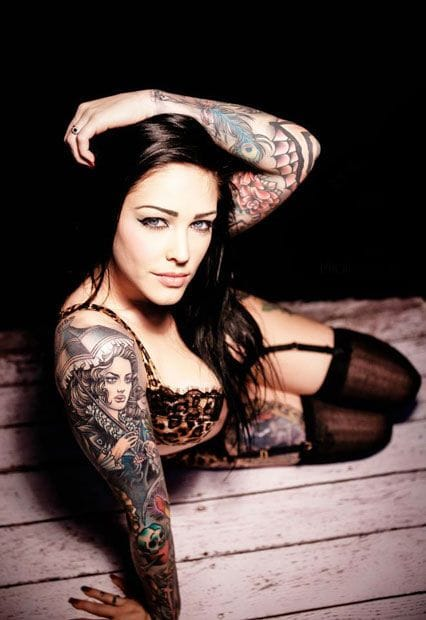 Female tattoo models are so gorgeous. Lovely eyes of Chelsey Mac by JL Photography. #tattoomodel #tattoodobabe #chelseymac #jlphotography