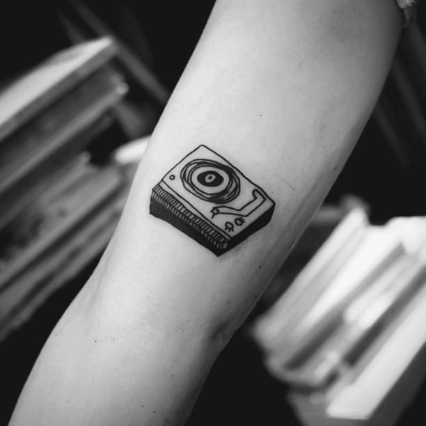 12 Tattoos That Would Fit Right In The Grunge Era