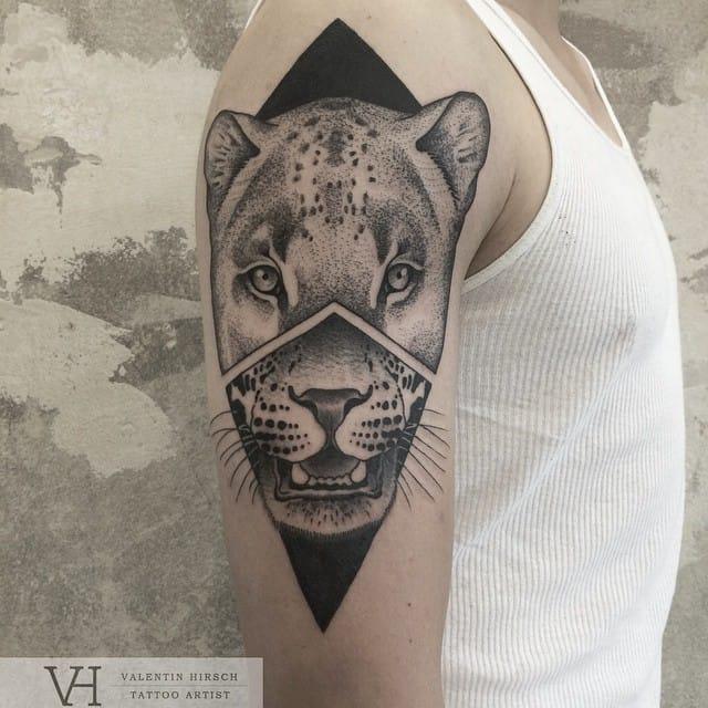 Alternative geometric feline portrait