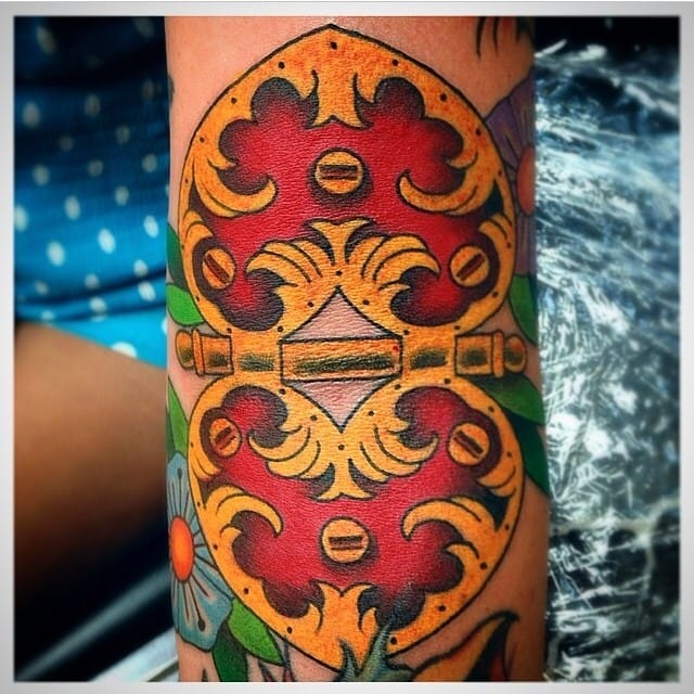 Hinge Tattoo by Ozzie Pere