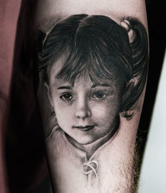 Mario also does some seriously killer black and grey realism