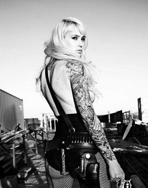 Armed and dangerously sexy, by Warwick Saint, model unknown. #tattoomodel #tattoodobabe