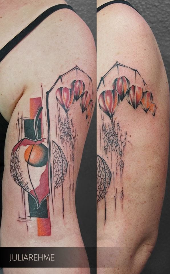 Artistic tattoo by Julia Rehme.