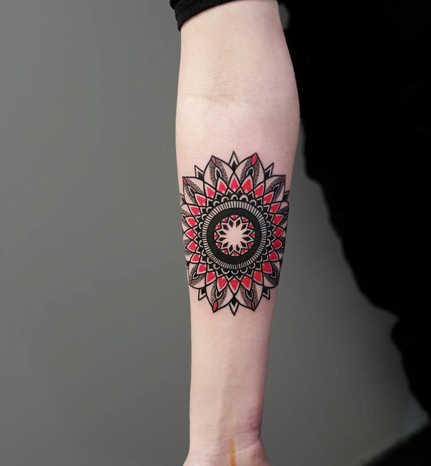 Pretty mandala tattoo #MatteoNangeroni #mandala #mandalatattoo