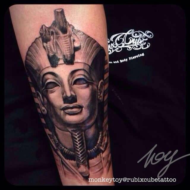 Tutankhamun Tattoo by @monkeytoy