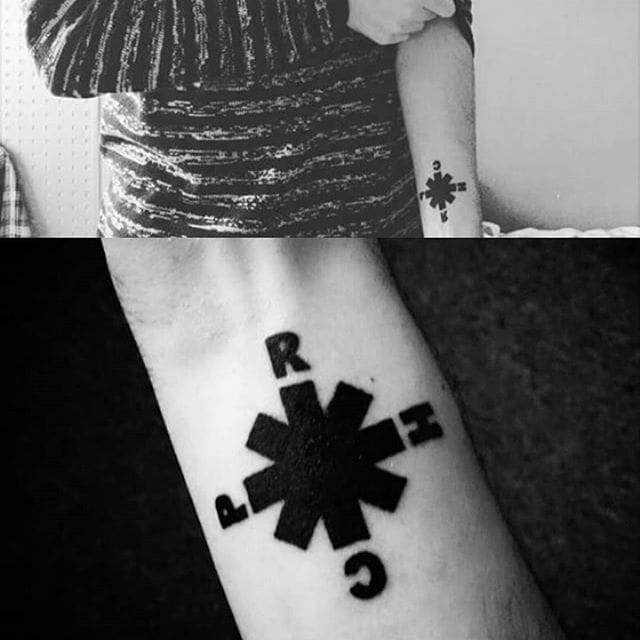 25 Nostalgic Tattoos Of Your Favorite 90s Band