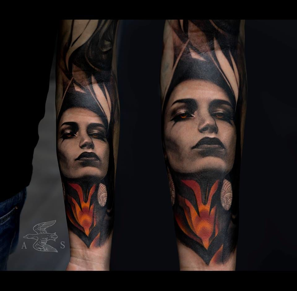 Great use of color. Abstract and realistic portrait by Alex Sorsa