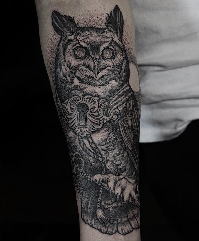Brilliant owl tattoo...#DanielBaczewski